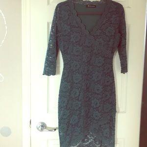 Dresses & Skirts - Beautiful green lace dress